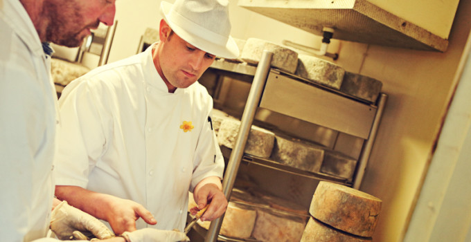 Jonathan Crump – Standish Park Farm – Artisan Single & Double Gloucester Cheese