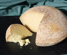 English Ewes Milk Cheese